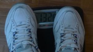 132 lb = 59.8 Kilos